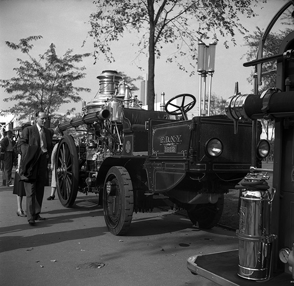 fdny-1912-fire-engine.jpg