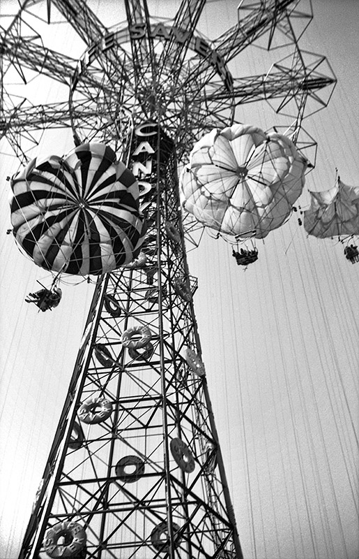 parachute-jump-1940.jpg