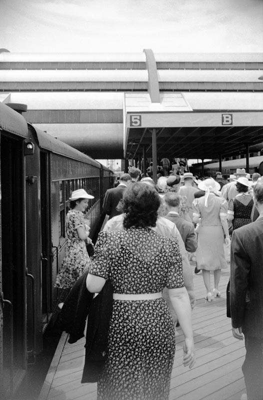 39-lirr-platform.jpg