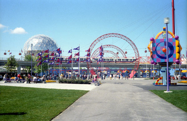 expo86-east-gate.jpg