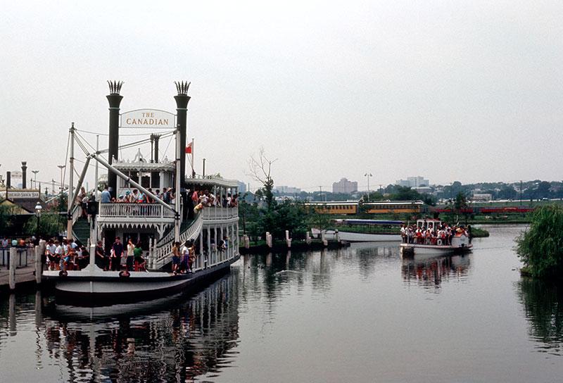 freedomland-two-boats.jpg