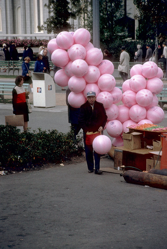 balloon-seller.jpg