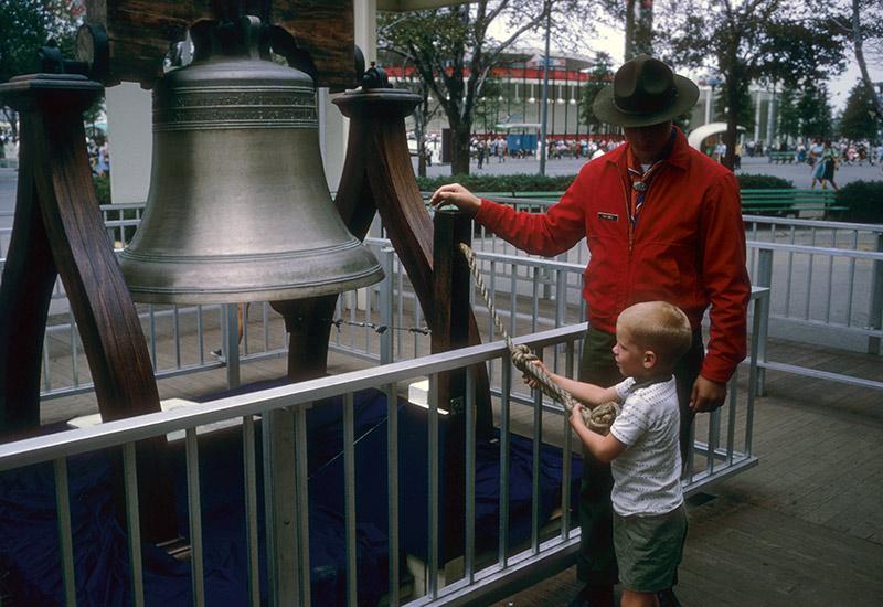 boy-ringing-liberty-bell.jpg
