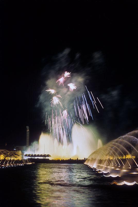 fireworks-fountain-fairs.jpg