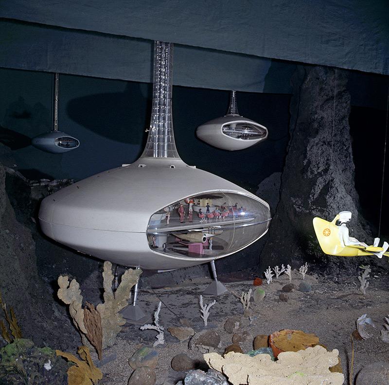 gm-underwater-hotel.jpg