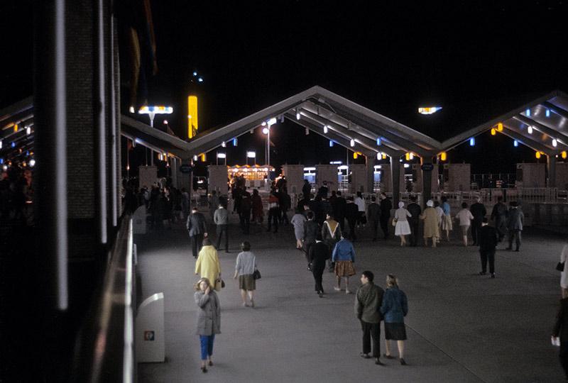 gotham-gate-night.jpg