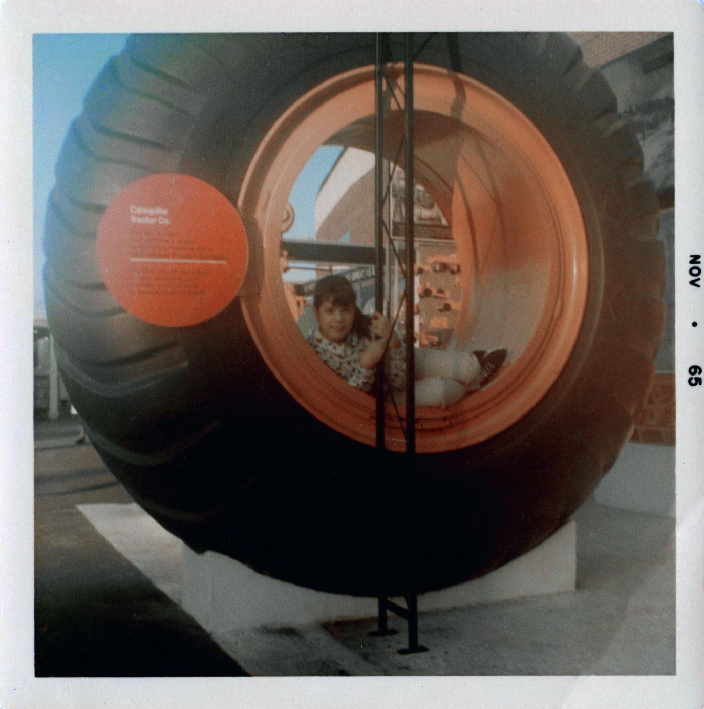 illinois-giant-tire.jpg