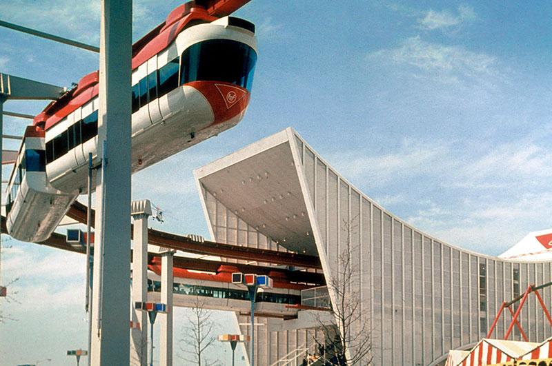 monorail-circus-3.jpg