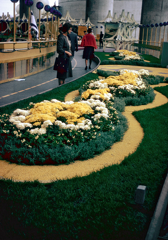 nysp-mezzanine-flowers.jpg