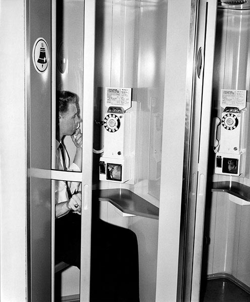 phone-booth-1.jpg