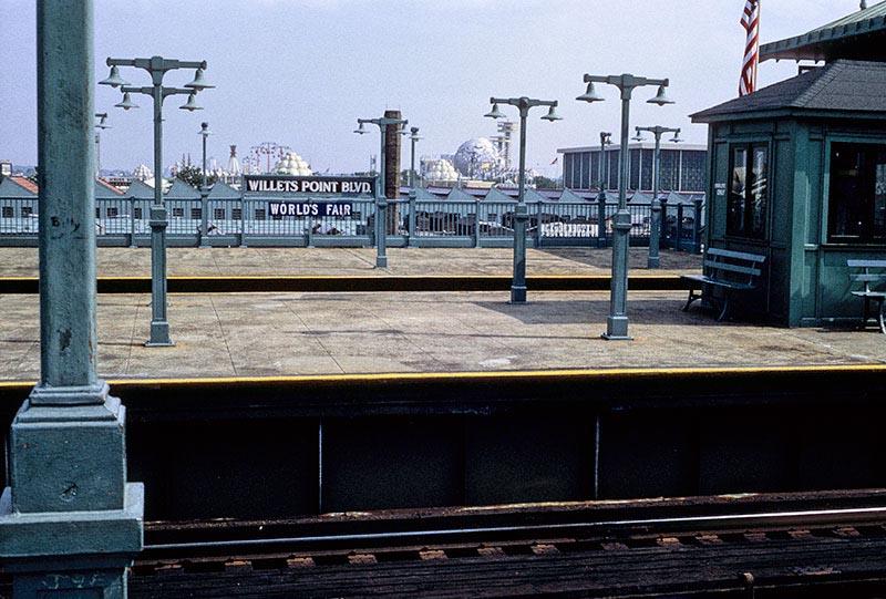 willets-point-subway.jpg