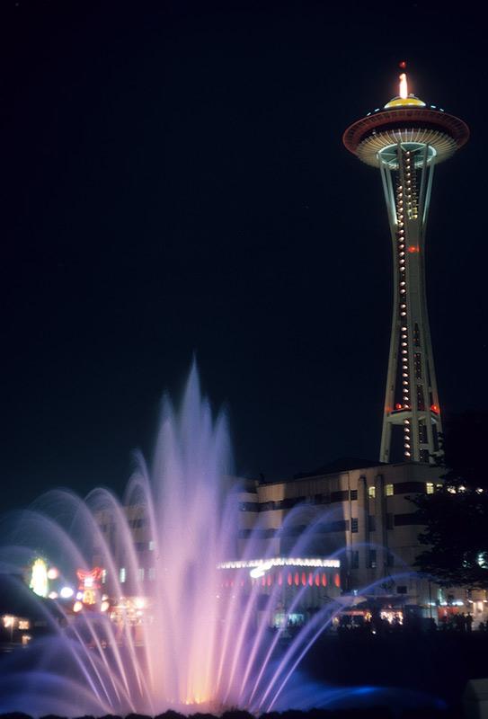 fountain-needle-night-aug.jpg